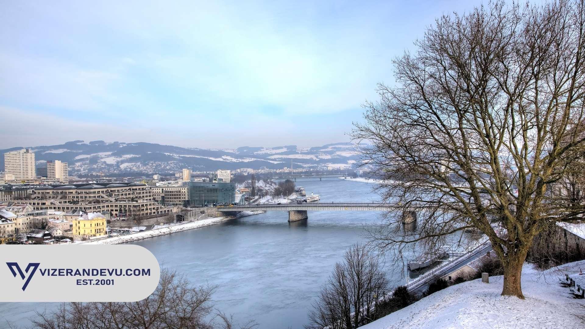 Avusturya Büyükelçiliği, Konsolosluğu veya VAC'de Schengen Vizesine Kimler Başvuru Yapabilir